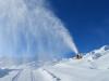 Tschirpen; Schneekanonen in Aktion