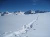 ein Blick zurück; chiahorn 2790m, Chüpfenflue 2658m, hi Schafgrind 2636m, Mederger Flue 2706m,   Tiejer Flue 2781m, Furggahorn 2727m, Maienfelderfurgga 2440m,hi  Amselfluh 2768m