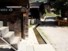 schöne Holzhäuser in Bellwald; mit Suone