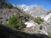 Burghütte  1746m zw. Bäumen;  vor dem kl. Wannenhorn ; Triftgletscher und Fieschergletscher