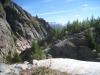 vom Gletscher abgeschliffenen Felsen: Blick auf den Hinweg