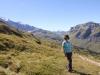 Marianne auf dem Clariden Höhenweg ; Richtung Klausenpass