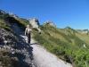Brigitte beim Aufstieg im Abhang des Stachlerkopfes T3