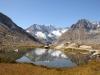 an einem der oberen Seen; Zenbächenhorn 3386m, Geisshorn 3740m,  Sattelhorn 3724m, Olmenhorn 3314m, Dreieckhorn 3811m, Jungfrau 4158m