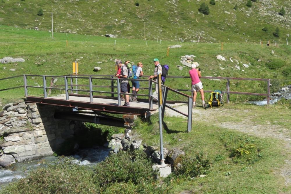 auf der Brücke über dem Mellichbach