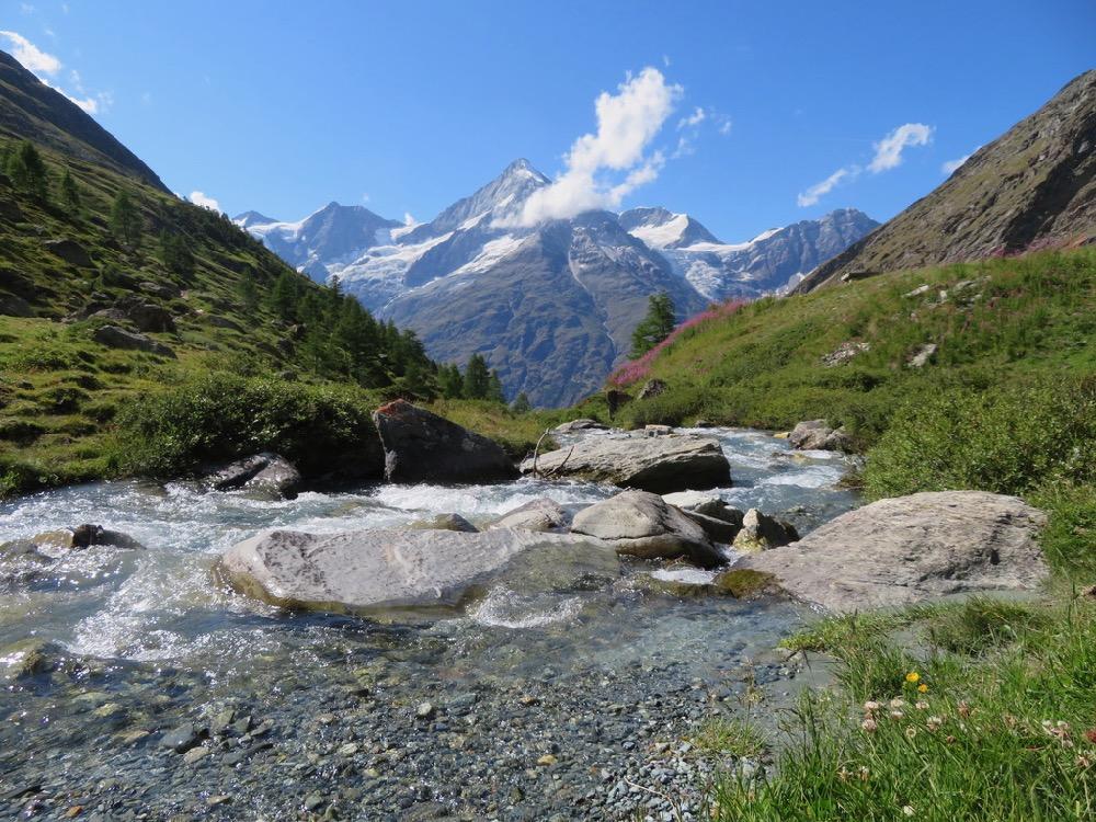 der Mellichbach; Schalihorn 3975m, Weisshorn 4505m, Bishorn 4153m, Brunegghorn 3853m