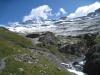 beim Fels im grünen Talende soll die Kapelle sein; Gitzifurggu 2912m, Ferdenrothorn 3180m