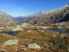 der kleine See unterhalb der  Grimsel Passhöhe; Blick talauswärts