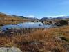 kleiner unbenannter See; re Pizzo Gallina 3060m, Mittagshorn 3015m