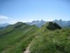 ein Blick zurück zum Klingenstock; Rupperslaui Stöckl 2232m, Blüemberg 2383m, Chronenstock 2451m, Chaiserstock 2515m, Chammliberg 3214m, Fulen 2491m,