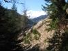im steilen Hang; Sicht gegen  Davoser Skigebiet
