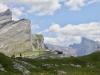Blick auf Plattenhörner   2846m und Gemmipass;  Majinghorn 3054m