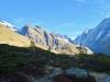 aus dem schatrten in die Sonne; auf dem Weg zum Guggisee ; Grosshorn, Jegichnubel,  Lötschenlücke, Sattelhorn 3745m,