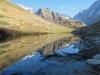 am Guggisee 2007m; Spiegelung von Grosshorn und Jegichnubel im See