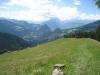 Sicht auf Calanda; Pfad hinunter auf Alp Munt