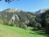 Sicht auf die gegenüberliegenden Hänge; Hächlen 2091m,  Tierfeld 2031m