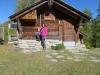 Marianne bei der ersten Hütte der Mässeralp