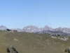 vo Saanerslochflue; hi Pointe de Paray 2375m, Vanil de l' Ecri 2375m, Vanil Noir 2389m, vo Haute Combe 2039m,  Dent de Folieran 2340m, Dent de Brenleire 2353m, Dent de Savigny 2252m, Dent de Ruth 2236m, Zuckerspitz 2133m,  hi  Cheval Blanc 2147m, Wandflue 2133m, Gipfel der  Gastlosen,