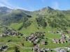 Sicht von der Sesselbahn auf Malbun 1600m; Augstenberg 2359m, vo Tälihöhe 2056m mit Täli  hi Hochspeier 2226m, vo Nospitz 2091m