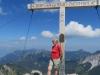 Brigitte vor dem Gipfelkreuz auf dem   Augstenberg 2359m