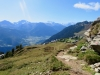 der Weg hinunter zur Riederalp;  Fletschhorn, Alpbubel, Mischabelgruppe, Matterhorn und Weisshorn,