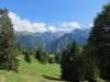 der Weg hinunter nach Braunwald; re Mättlenstock 2807m, Hausstock 3158m, Vorstegkopf 2677m