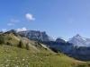 Panorama: Rote Flue 2295m, Loucherhorn 2231m, Ussri Sägissa 2423m, Winteregg 2561m,  Bira 2453m, Wetterhorn 3704m, Mittelhorn 3704m, Bärglistock 3656m, Kl.Schreckhorn 3494m,  Schreckhorn 4078m, Lauteraarhorn 4042m, Finsteraarhorn 4275m, Eiger 3970m, Mönch 4099m
