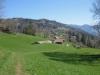 Blick zurück zu den Häusern bei Ätschenried 900m