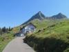 Duesberghütte  1581m mit Schülberg 1930m, Chli Schülberg 1894m