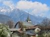 das Dorf Turtmann mit den Bergkette des Lötschentlas