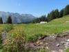 Haus bei P. 1756m;  Charrenstock 2422m, Hohberg 2244m, Grat, vo Gross Siwellen 2099m, hi Gandstöck  2315m,