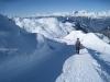 der Winterwanderweg vom Weisshorn hinunter;hi mi Ringelspitz; re un Tschiertschen