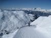 der Winterwanderweg vom Weisshorn hinunter; hi mi Ringelspitz