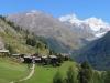 Zmutt 1915m; vo Rothorn 3103m; hi Rimpfischhorn 4199m, Strahlhorn 4190m, Adlerhorn 3988m