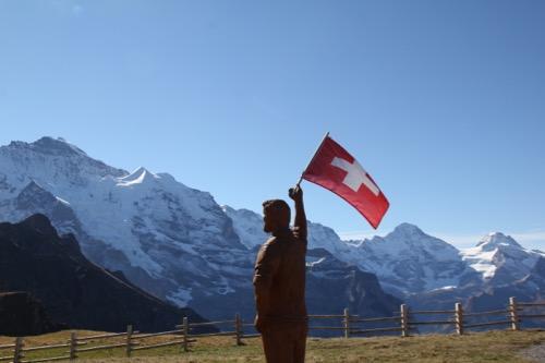 Männlichen 2229m; Jungfrau 4158m, Silberhorn 3695m; Lauterbrunnen Breithorn 3782m, Tschingelhorn 3577m