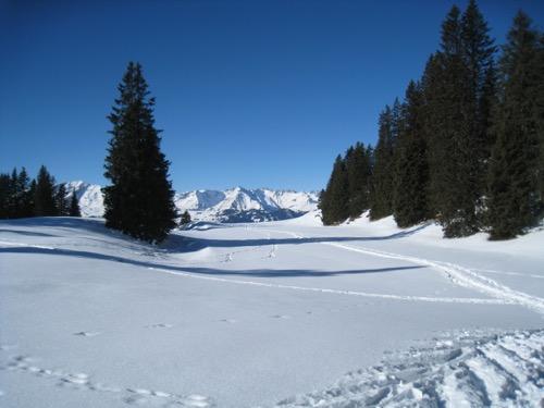 einsame Winterlandschaft: Vättnerchopf 2618m, Sazmartinhorn 2827m, Zanaihörner 2821m